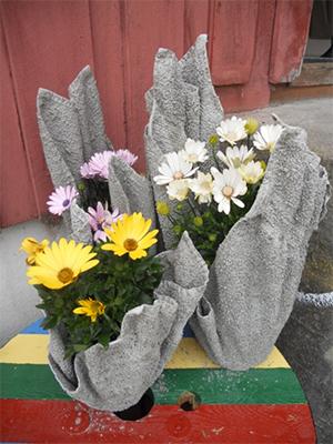 Blomepotter i betong_72 dpi.jpg